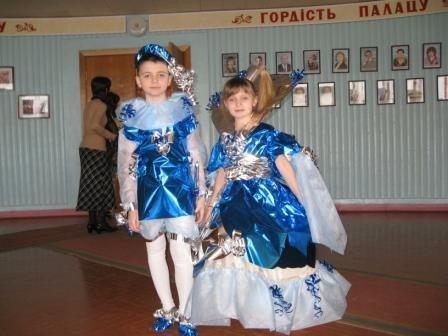 В Горловке дети-модели дефилировали в костюмах эпохи Средневековья из вторсырья (ФОТО), фото-1