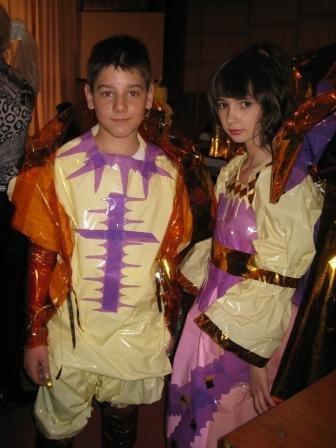 В Горловке дети-модели дефилировали в костюмах эпохи Средневековья из вторсырья (ФОТО), фото-2