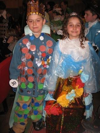 В Горловке дети-модели дефилировали в костюмах эпохи Средневековья из вторсырья (ФОТО), фото-4