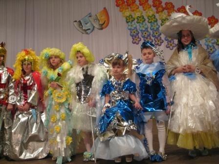 В Горловке дети-модели дефилировали в костюмах эпохи Средневековья из вторсырья (ФОТО), фото-7