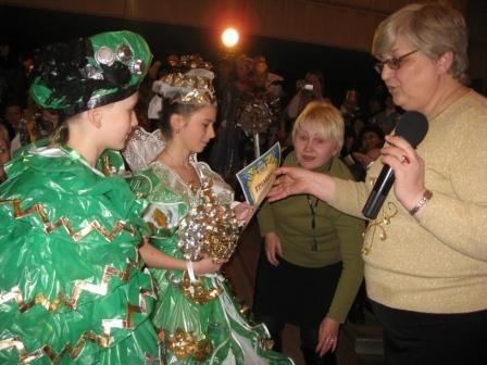 В Горловке дети-модели дефилировали в костюмах эпохи Средневековья из вторсырья (ФОТО), фото-9