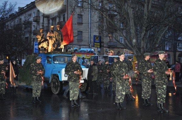 Ко Дню освобождения Николаева центр города зажгли свечами, фото-1