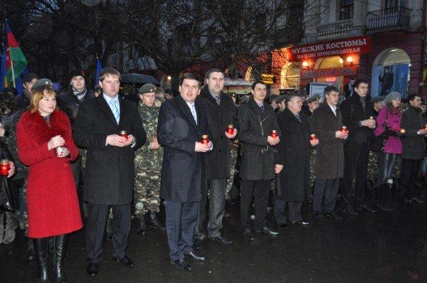 Ко Дню освобождения Николаева центр города зажгли свечами, фото-3