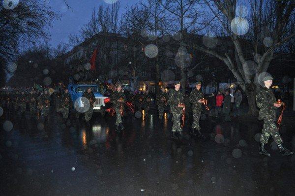 Ко Дню освобождения Николаева центр города зажгли свечами, фото-4