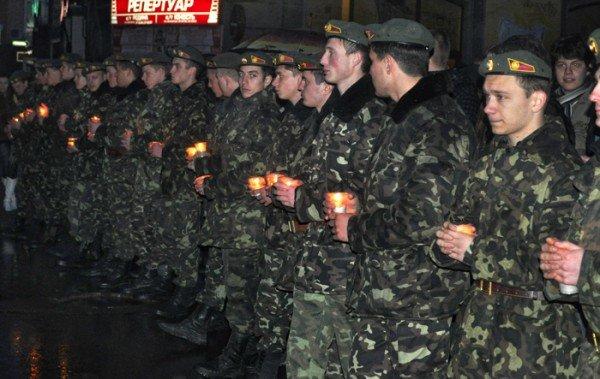 Ко Дню освобождения Николаева центр города зажгли свечами, фото-5