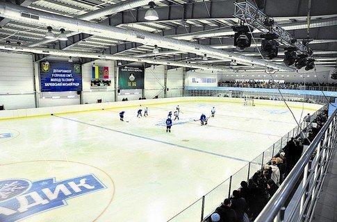 Кернес на коньках и Добкин с клюшкой открыли ледовую арену (ФОТО), фото-1
