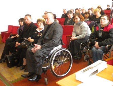Инвалидам Горловки пообещали город без барьеров, фото-1