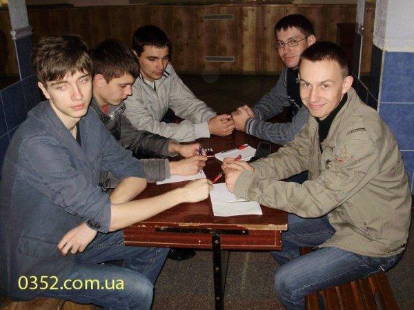 Молодь Тернополя добре знає, що, де і коли, фото-1