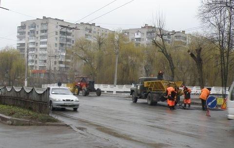 Дощ іде – а у Вінниці дороги асфальтують (ФОТО), фото-2