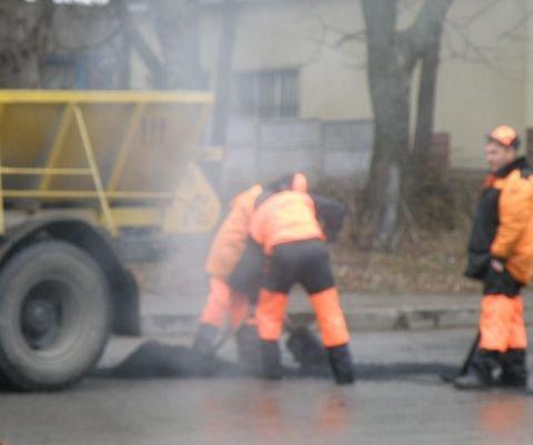 Дощ іде – а у Вінниці дороги асфальтують (ФОТО), фото-8