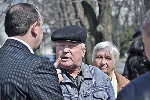 Обещание чиновников вновь оказались пустыми. Луганчане устроили митинг (фото), фото-3
