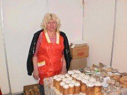 «Праздничная ярмарка» в Кривом Роге на финишной прямой: активнее всего раскупаются колбасы и растения (фото), фото-2