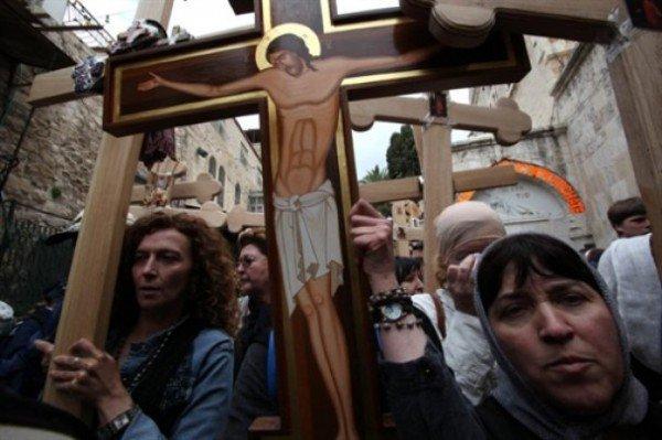 Православні тернополяни з хвилюванням чекали звістки про сходження благодатного вогню, фото-2