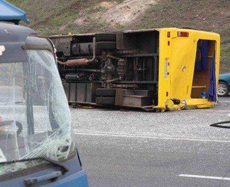 На трассе Горловка-Донецк грузовик снес автобус. 12 человек травмированы (Фото), фото-3