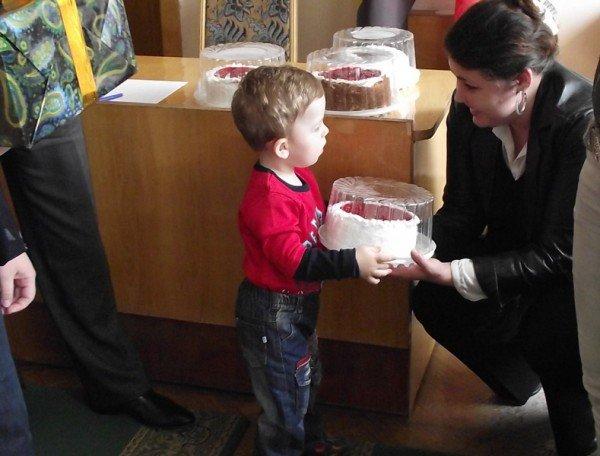 За любовь к Горловке мэр наградил жителей города подарками (ФОТО), фото-3