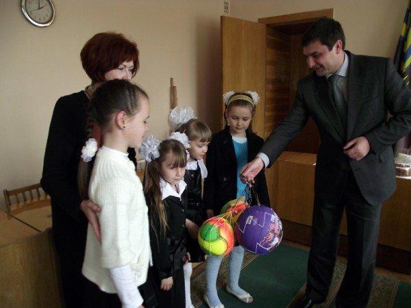 За любовь к Горловке мэр наградил жителей города подарками (ФОТО), фото-4