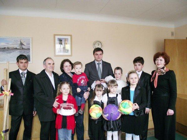 За любовь к Горловке мэр наградил жителей города подарками (ФОТО), фото-6