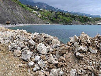 Алупка встретит курортный сезон стройками, заборами на пляжах и угрозой прорыва канализации (ФОТО), фото-1