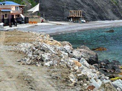 Алупка встретит курортный сезон стройками, заборами на пляжах и угрозой прорыва канализации (ФОТО), фото-3
