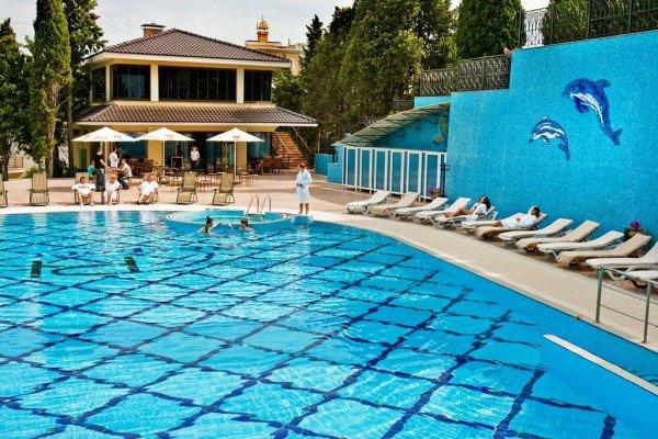 В крымском VIP-отеле лето уже началось, фото-3