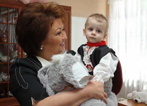 Народный депутат сделала подарок донецким детям (фото), фото-1