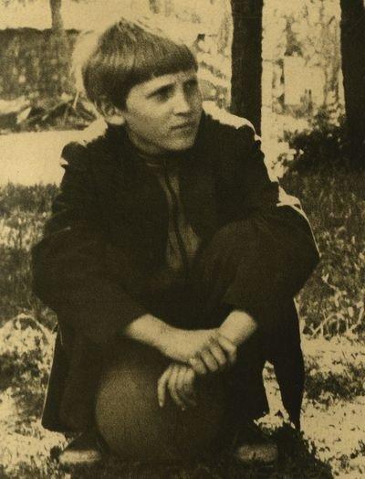 Ахметов в детстве был трехкратным чемпионом Украины по боксу и нравился девочкам за сходство с Харатьяном, фото-1