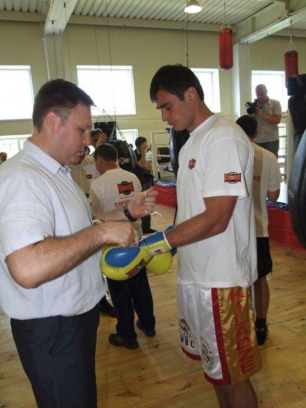 Донецкие боксеры получили условия для тренировок не хуже, чем у братьев Кличко, фото-2