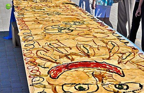 В Луганске «нарисовали» картину из блинов (фото), фото-3