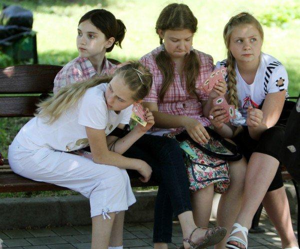 В день защиты детей в Донецке сорвали конкурс детского рисунка (фото), фото-6