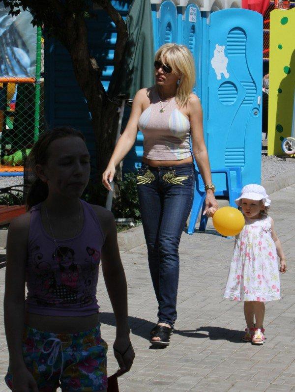 В день защиты детей в Донецке сорвали конкурс детского рисунка (фото), фото-7