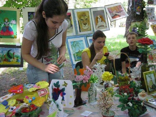 В Харькове открылась выставка работ детей с патологией умственного развития (ФОТО), фото-2