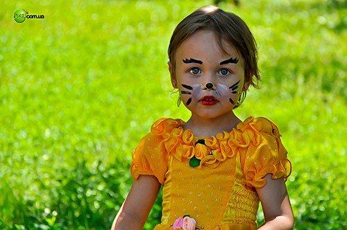 Вчера маленькие луганчане отмечали свой праздник (фото), фото-8