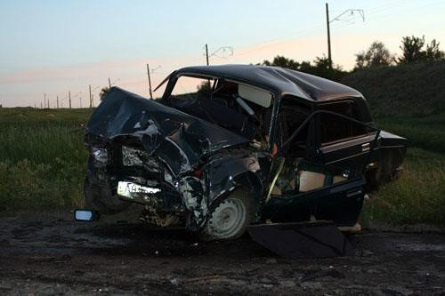 В Донецкой области в результате лобового столкновения двух автомобилей погибло трое человек (фото), фото-2