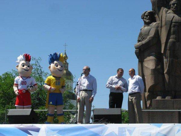 На площади Конституции наградили призеров Олимпийских игр (ФОТО), фото-3