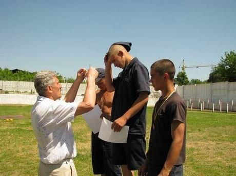 В харьковской «зоне» проверили, кто из заключенных лучше бегает и приседает (ФОТО), фото-10
