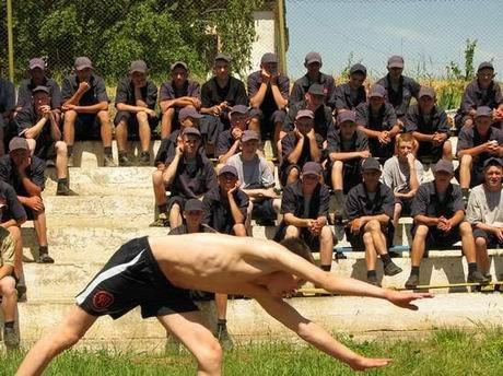 В харьковской «зоне» проверили, кто из заключенных лучше бегает и приседает (ФОТО), фото-3