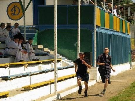 В харьковской «зоне» проверили, кто из заключенных лучше бегает и приседает (ФОТО), фото-4