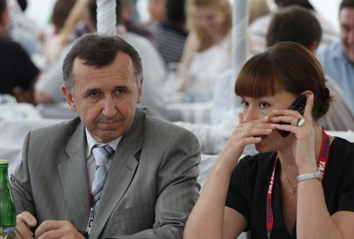В Ялте на ралли VIP-ы пили, улыбались и демонстрировали жен (ФОТО), фото-6