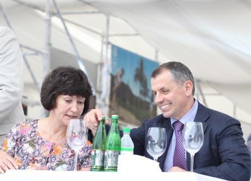 В Ялте на ралли VIP-ы пили, улыбались и демонстрировали жен (ФОТО), фото-7