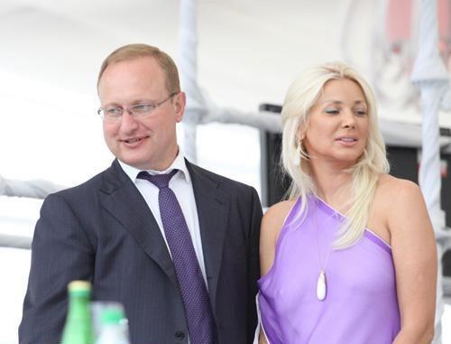 В Ялте на ралли VIP-ы пили, улыбались и демонстрировали жен (ФОТО), фото-2
