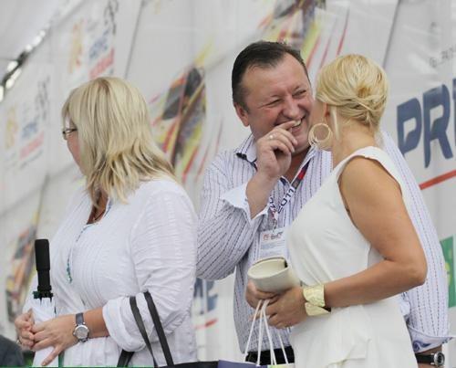 В Ялте на ралли VIP-ы пили, улыбались и демонстрировали жен (ФОТО), фото-5