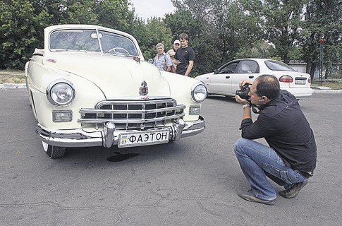 Донецкий ретро-кабриолет произвел фурор в Росиии, фото-1