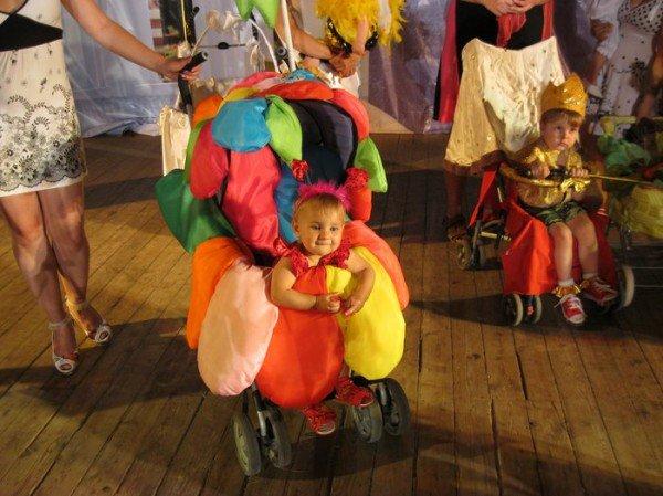 В Харькове прошел фестиваль детских колясок (ФОТО), фото-1
