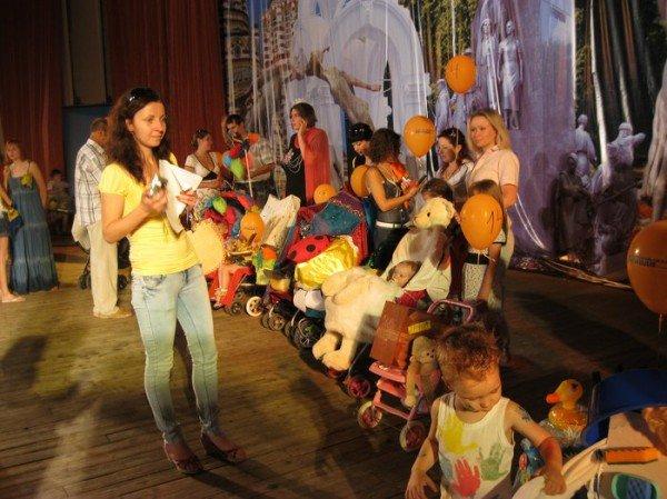 В Харькове прошел фестиваль детских колясок (ФОТО), фото-2