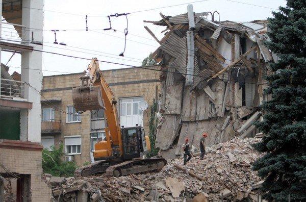 Александр Лукьянченко считает законным снос Януковичем гостиницы в центре Донецка (фото того, что осталось от «Дружбы»), фото-2