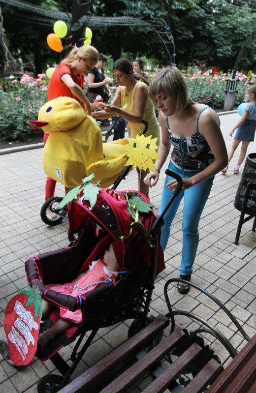 В Донецке прошел, первый в истории города, парад детских колясок (фото), фото-2