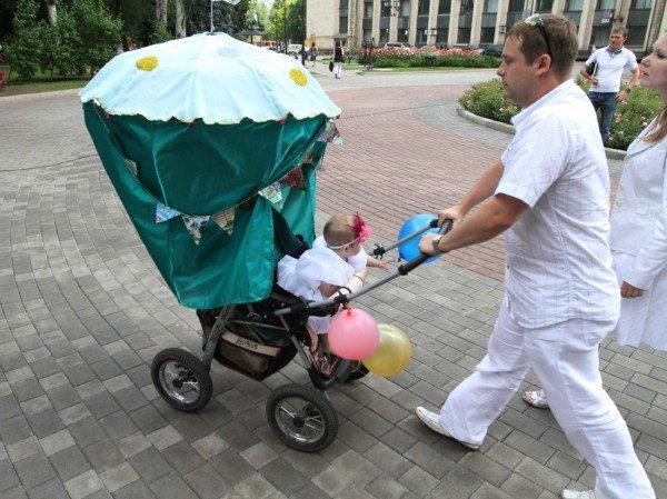В Донецке прошел, первый в истории города, парад детских колясок (фото), фото-5
