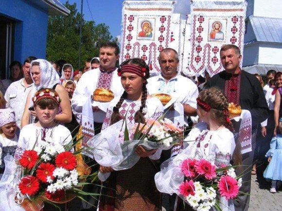 У закарпатській Чорній Тисі святкували 120-річчя Свято-Успенської церкви (ФОТО), фото-2