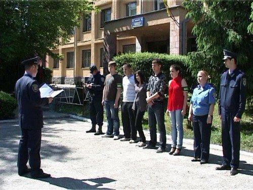 В Ужгороді студенти допомагають міліції знайти хуліганів і самогонників (ФОТО), фото-1