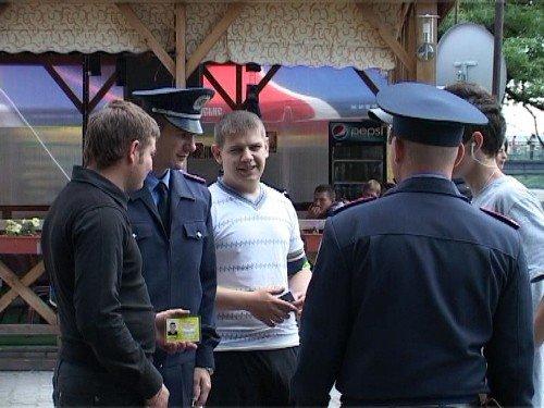 В Ужгороді студенти допомагають міліції знайти хуліганів і самогонників (ФОТО), фото-6